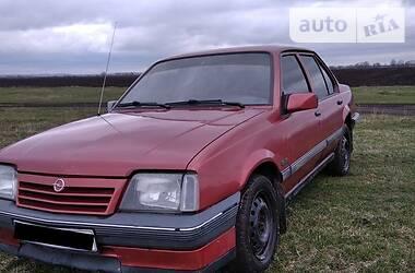 Седан Opel Ascona 1988 в Волочиске