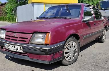 Седан Opel Ascona 1982 в Кривом Роге