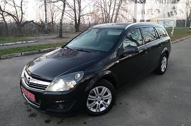 Opel Astra H 2010 в Золочеве