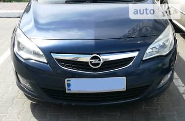 Opel Astra J 2011 в Софиевской Борщаговке