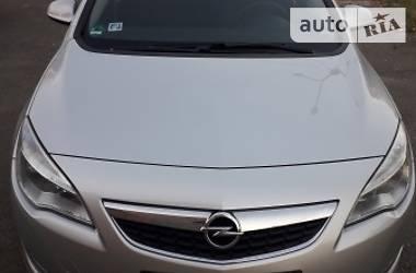 Opel Astra J 2011 в Луганске