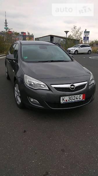 Opel Astra 2011 года в Хмельницке