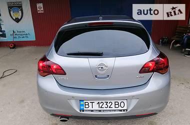 Opel Astra J 2010 в Новой Каховке
