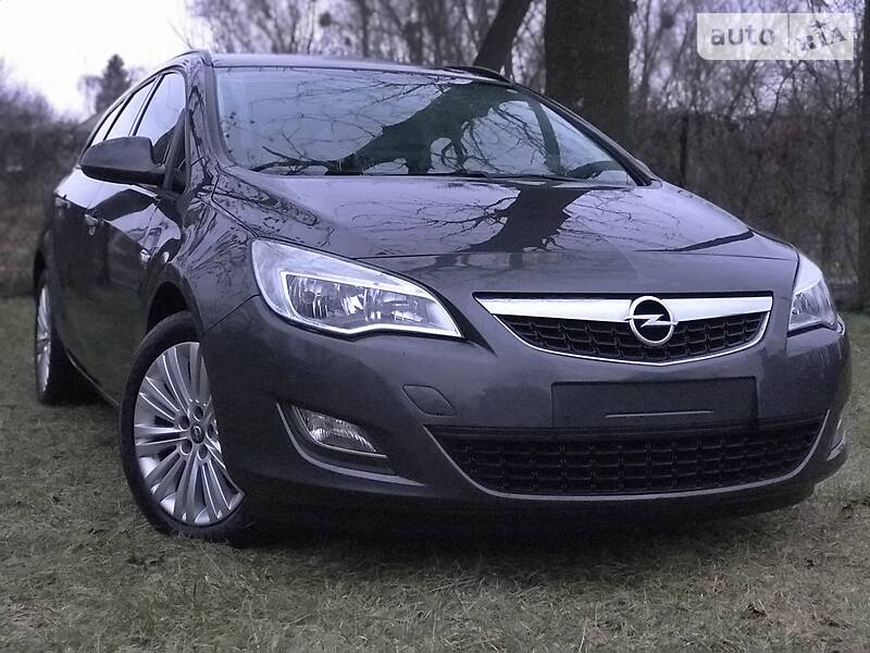 Opel Astra J 2012 в Луцке