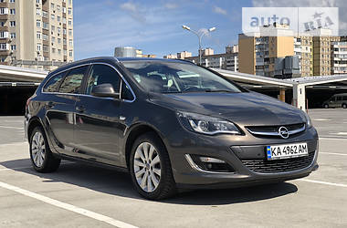 Opel Astra J 2015 в Киеве