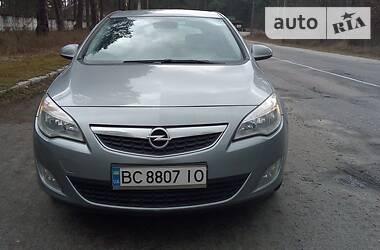 Opel Astra J 2010 в Львові
