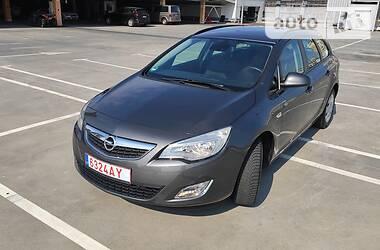 Opel Astra J 2010 в Киеве