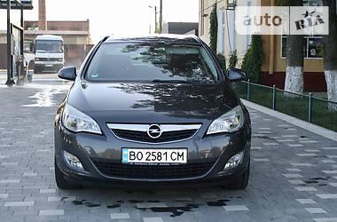 Opel Astra J 2011 в Бучаче