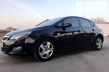 Opel Astra J 2011 в Берегово