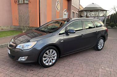 Opel Astra J 2011 в Стрию