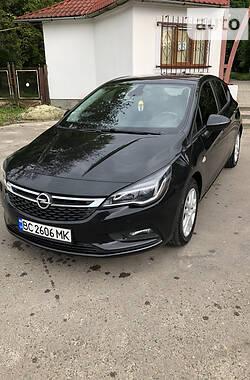 Хэтчбек Opel Astra K 2016 в Николаеве