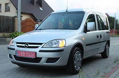 Минивэн Opel Combo пасс. 2010 в Луцке