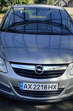 Хэтчбек Opel Corsa 2010 в