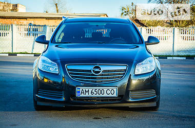 Opel Insignia Sports Tourer 2012 в Коростене