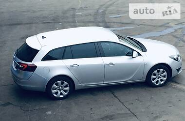 Opel Insignia Sports Tourer 2014 в Киеве