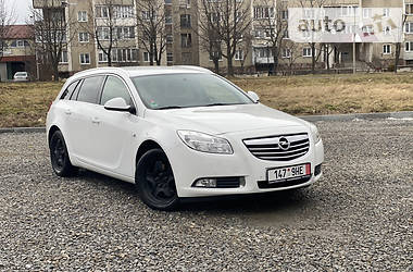 Opel Insignia Sports Tourer 2013 в Івано-Франківську