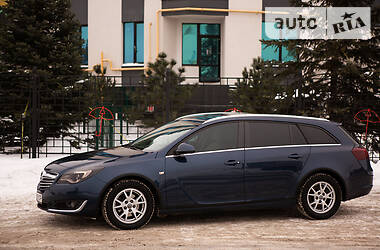Opel Insignia Sports Tourer 2014 в Киеве