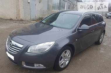 Opel Insignia 118 KWT TIPTRONICK 2012