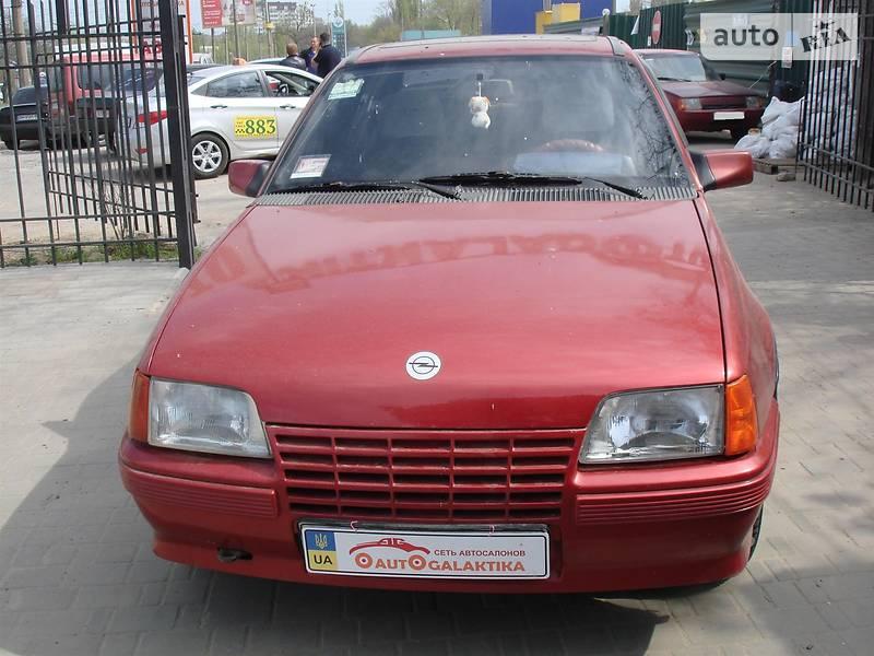 Opel Kadett 1988 в Николаеве