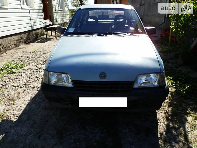 Opel Kadett 1985 в Виннице