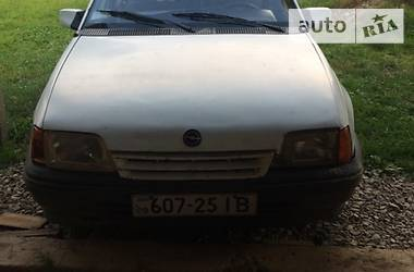 Opel Kadett 1991 в Вижнице