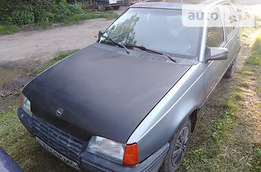 Opel Kadett 1988 в Черновцах