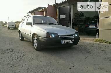 Opel Kadett 1986 в Владимир-Волынском