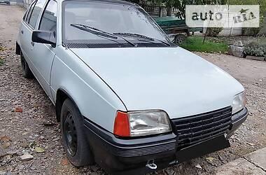 Opel Kadett 1987 в Калиновке