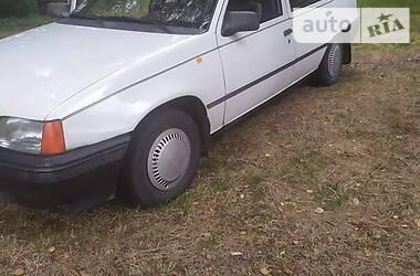 Седан Opel Kadett 1986 в Ровно