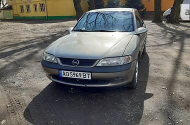 Седан Opel Vectra B 1997 в Ужгороді