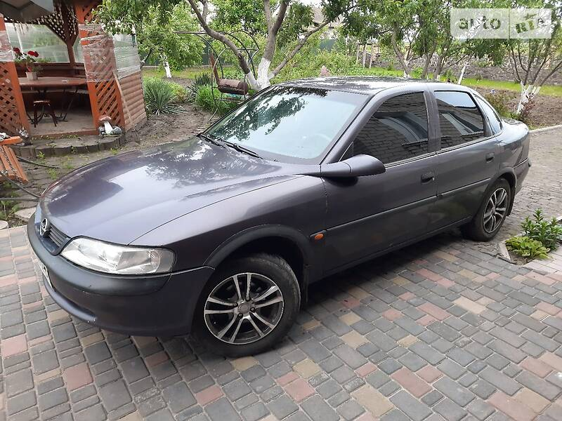 Седан Opel Vectra B 1996 в Ружине