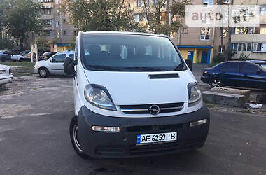 Opel Vivaro груз.-пасс. 2004 в Киеве