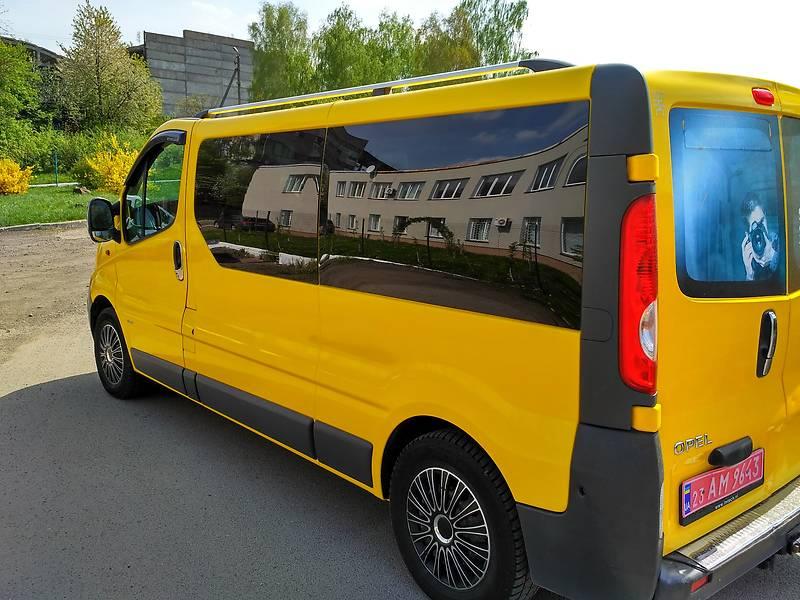 Opel Vivaro пасс. 2007 в Луцке