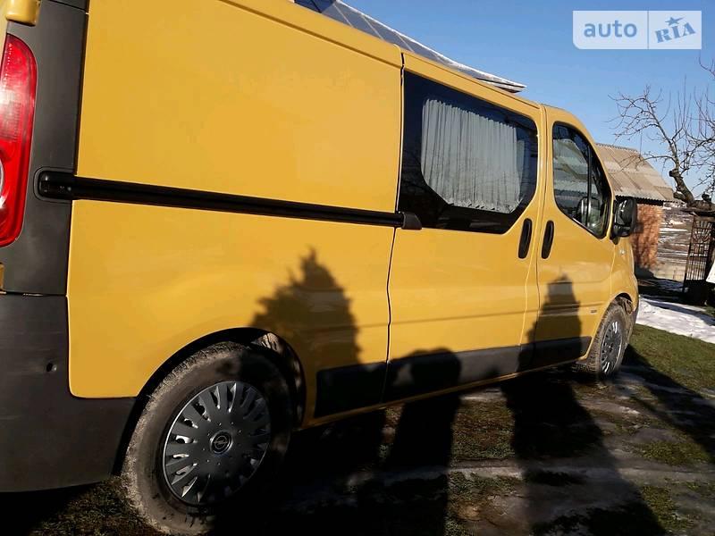 Opel Vivaro пасс. 2011 в Черновцах