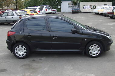 Peugeot 206 2004 в Киеве