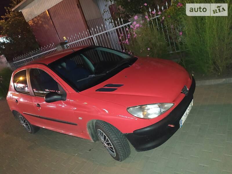 Хетчбек Peugeot 206 2002 в Рівному