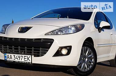 Peugeot 207 2011 в Киеве
