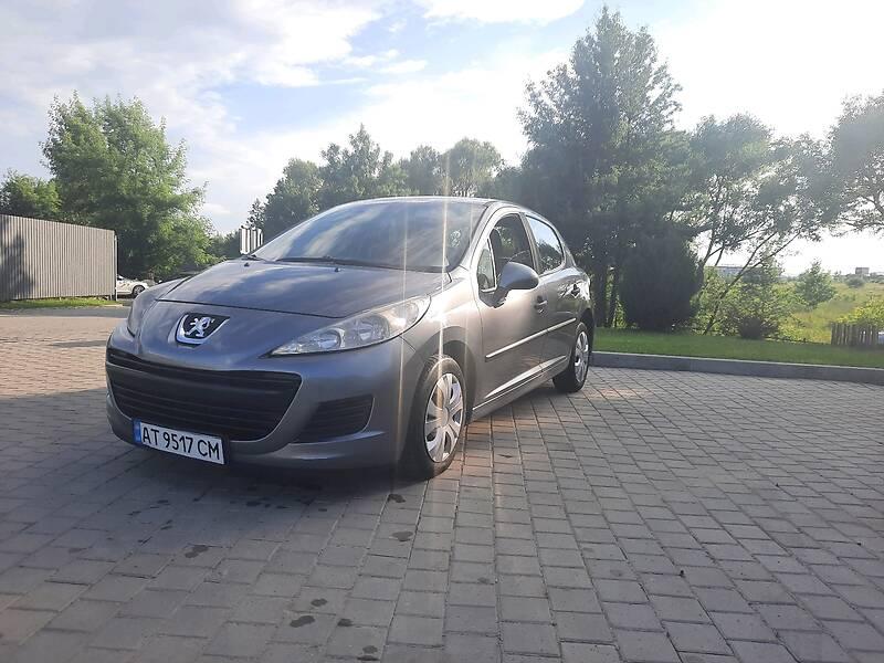 Хетчбек Peugeot 207 2010 в Івано-Франківську