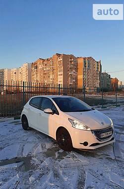 Peugeot 208 2012 в Южному