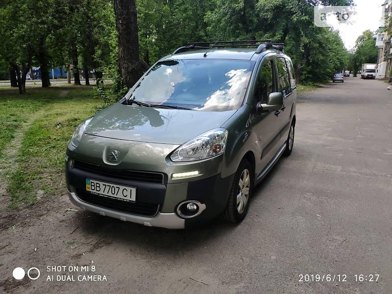 Peugeot Partner пасс. 2013 года в Киеве