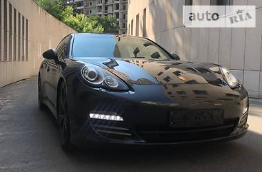 Porsche Panamera 2012 в Дніпрі