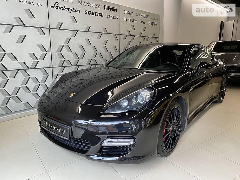 Седан Porsche Panamera 2011 в Києві