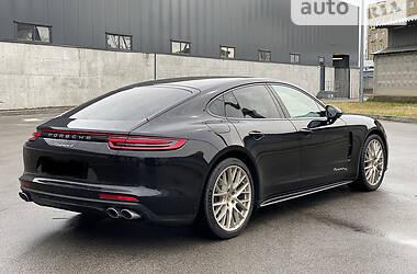 Седан Porsche Panamera 2020 в Киеве