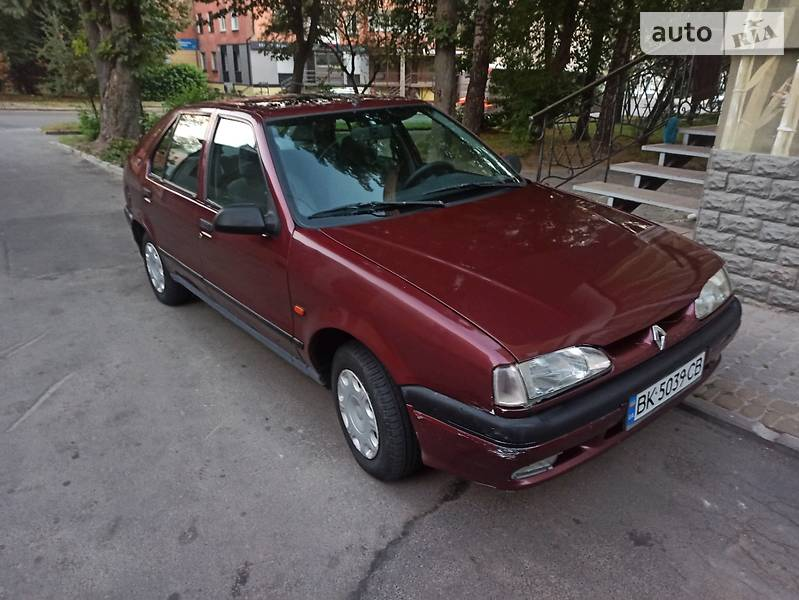 Renault 19 Chamade 1994 в Ровно