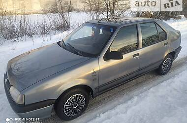 Renault 19 Chamade 1993 в Полонном