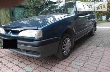 Седан Renault 19 Chamade 1998 в Шумске