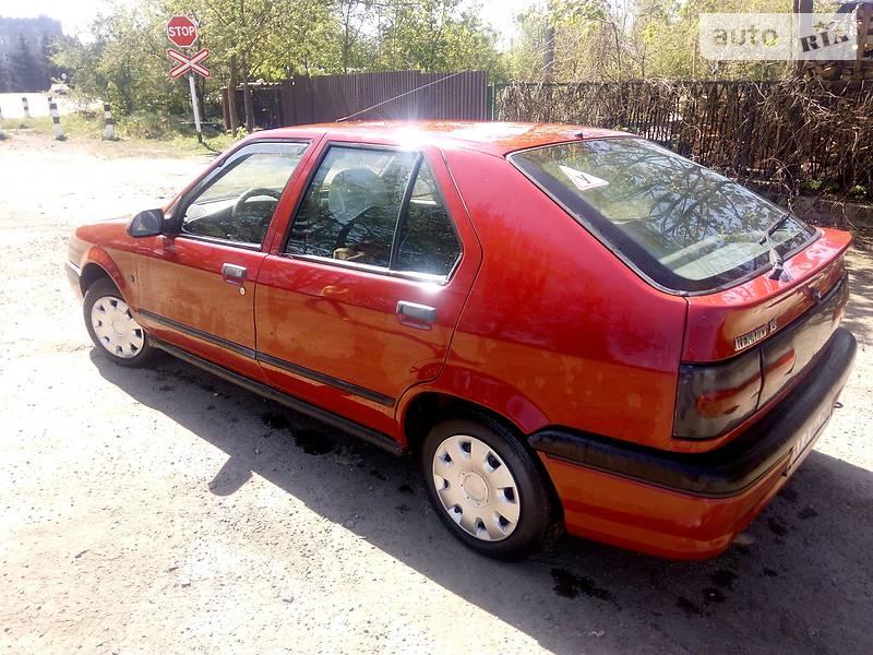 Renault 19 1995 року
