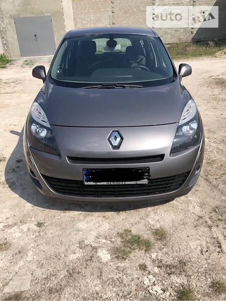 Renault Grand Scenic 2012 года