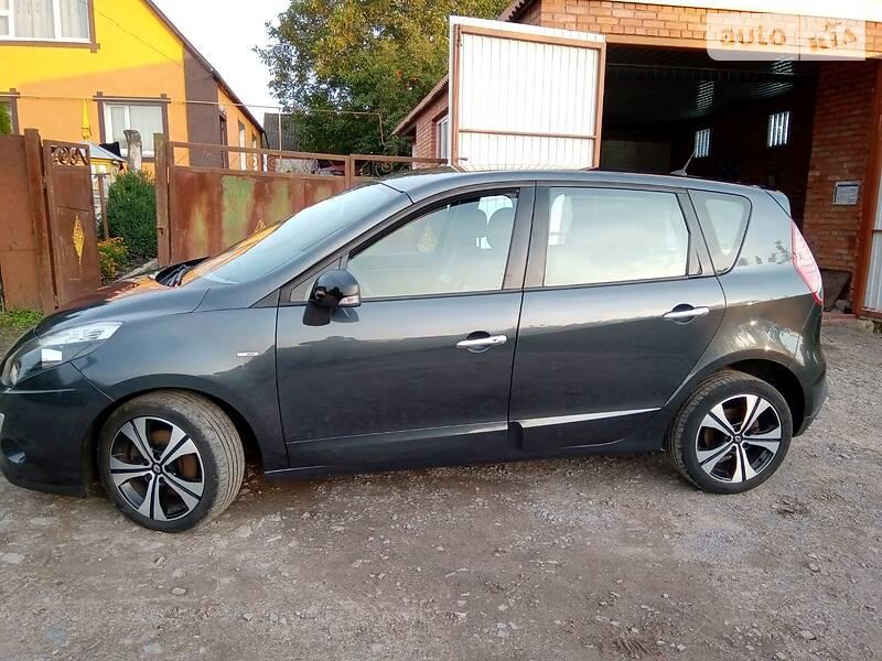 Renault Megane Scenic BOSE