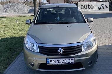Renault Sandero 2011 в Новограде-Волынском